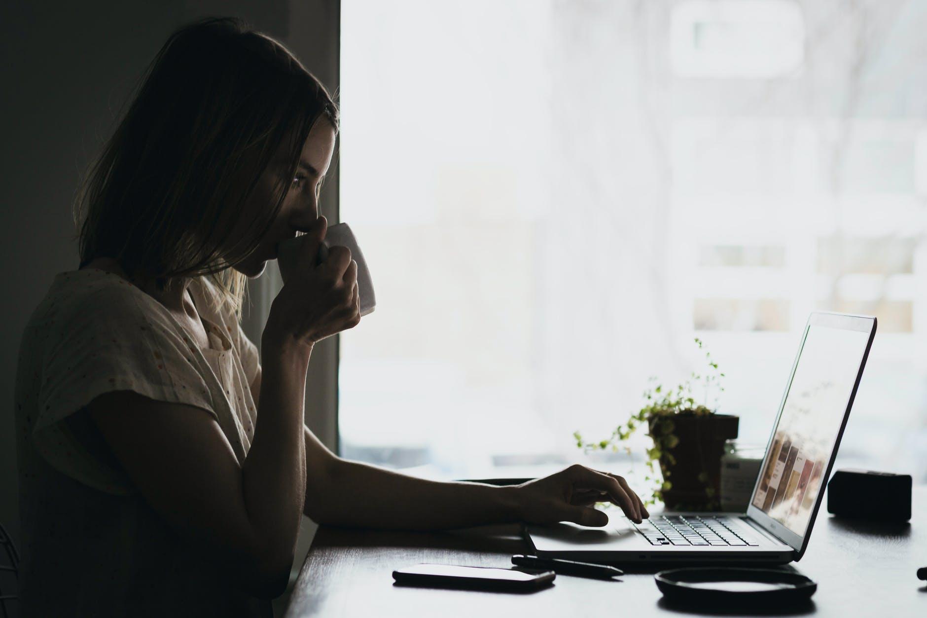 La Fatica da Zoom: come ridurre lo stress da call online